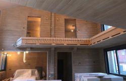 Весь дом покрашен в один тон по дизайн-проекту.