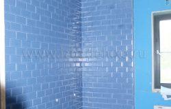 Закончили укладку стен в главном санузле.