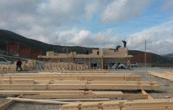 На объекте работает бригада Евгения Лещева. Один из лучших наших плотников! Дерево его очень любит! :)