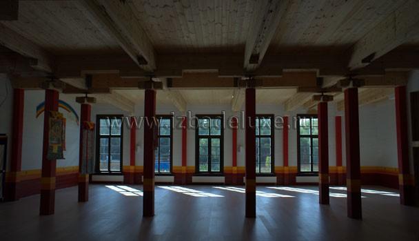 Первый этаж полностью готов. Необыкновенные цветовые решения.
