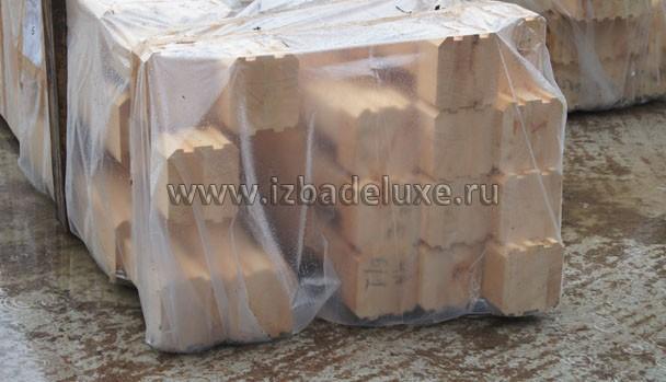 Весь брус упакован в пленку и пронумерован.