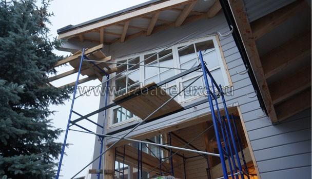 Вес деревянного окна - больше 200 кг!