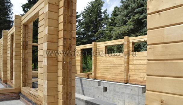Стены из кедра, 240 мм.