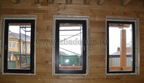 Окна - деревянные, двойной стеклопакет.