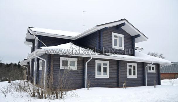 Снег и дом.