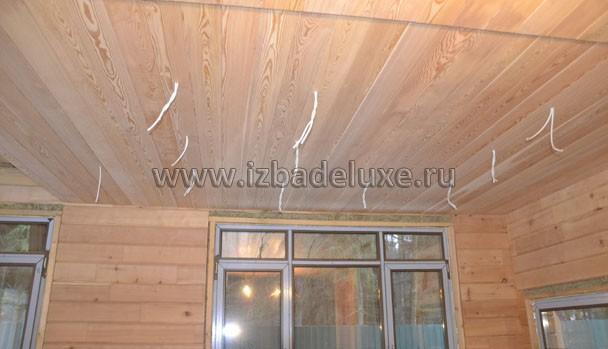 Выводы под светильники, потолки - лиственница.