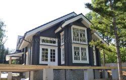 Теперь думаем, не закроет ли терраса и ограждение такой красивый фасад?