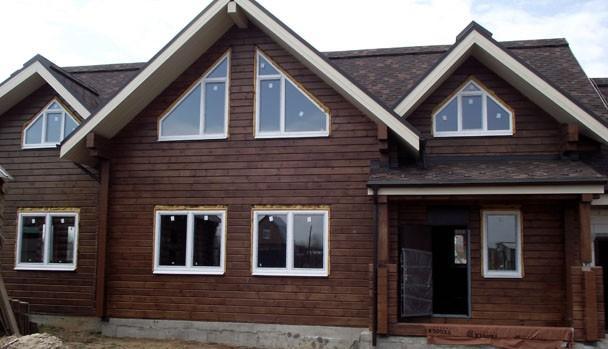 Строительство дома из клееного бруса на объекте в «Медвежьих Озерах».