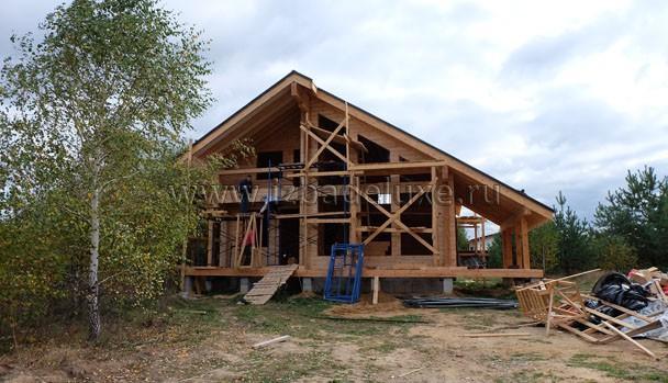 Красивый дом, очень приятные Заказчики. :) Выбираем цвет финишного покрытия.