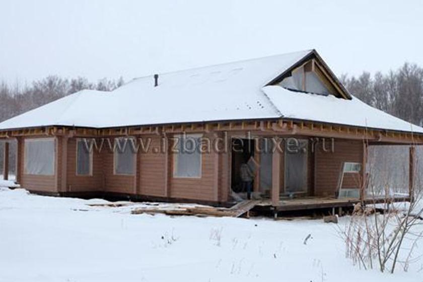 Строительство дома из клееного бруса «Романовский Парк».