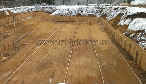 В процессе тромбования утрамбовывается до 30% изначального объема песка.