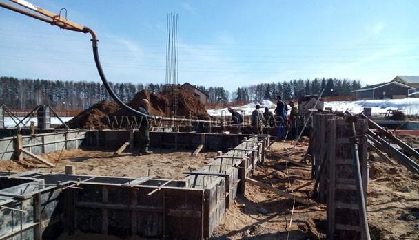 Только бетононасос и готовый бетон. Марка бетона М350, В22,5.