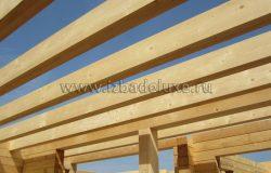 Перекрытия - деревянные балки.