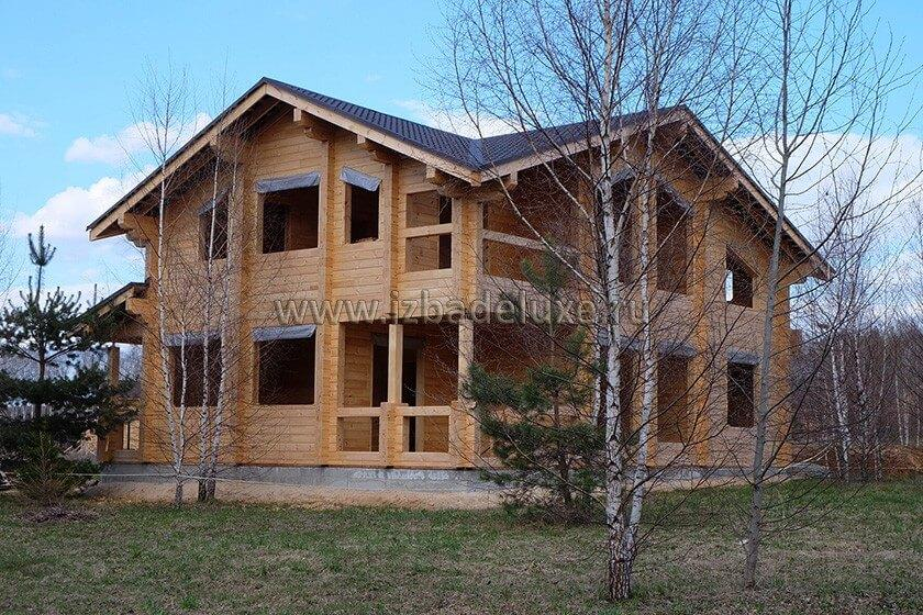 Строительство дома из клееного бруса на объекте «Приволье».
