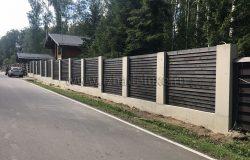 Забор просто бомбический. :) Администратор поселка поставил нас в пример. :)