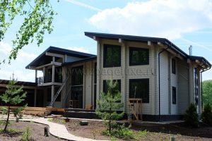 Дом выполнен в клееном брусе из ели, сечение 180х200мм