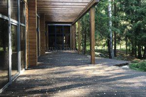 Устройство террасы на объекте «Лесной ручей».