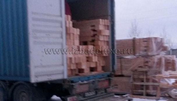 На Сахалин уйдет 4 контейнера с комбинированным брусом - кедр и сосна