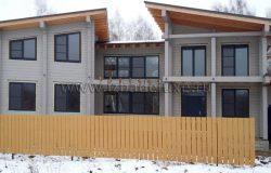 Радость архитектора, когда дом уже похож на проект! :) И это еще без наличников и подшивки свесов. Интересно какой цвет все-таки выберут Заказчики. Очень стильный дом получился.