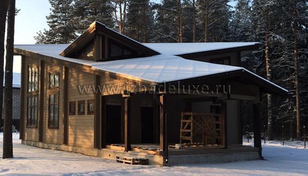 Дом в снегу. Разные прочтения одного строения.