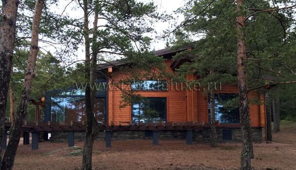 Нереально красивый дом получился! :) Если Заказчик разрешит, поставим фото с внутренней отделкой!