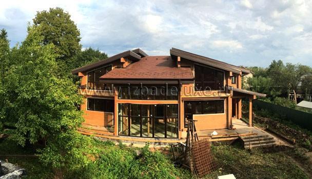 Панорамное фото с крыши соседнего дома.