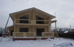 Фасад со стороны внутренней части участка.