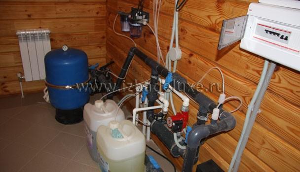 Монтируем систему водоочистки.