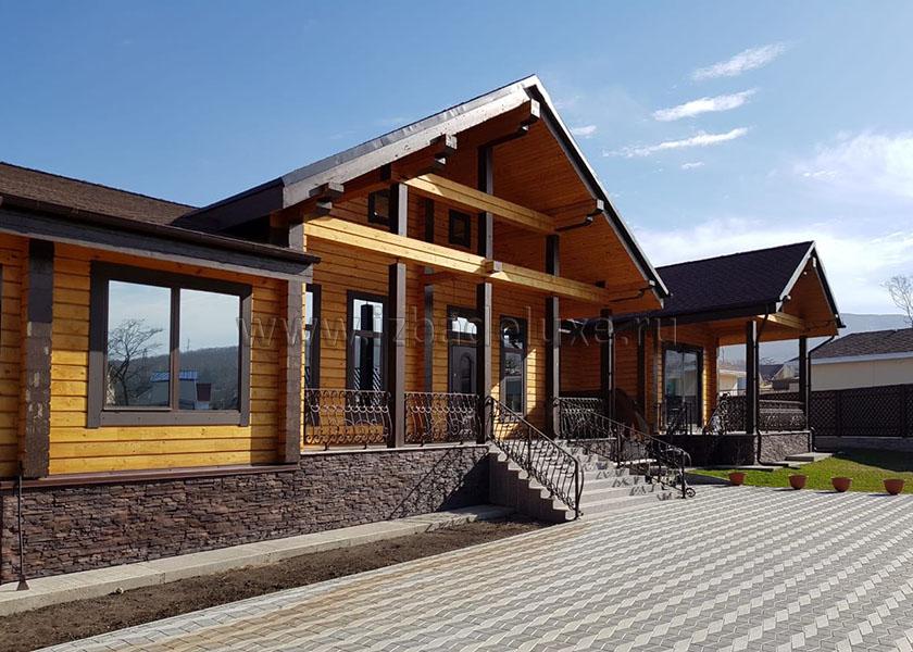 Строительство дома из комбинированного клееного бруса «Таежная мечта»