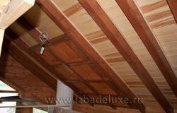 А как Вам потолок? Видимые балки, багет в стиле альпийского шале, подшивка между стропил - кедр.