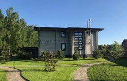 Зелень, небо и дом :)