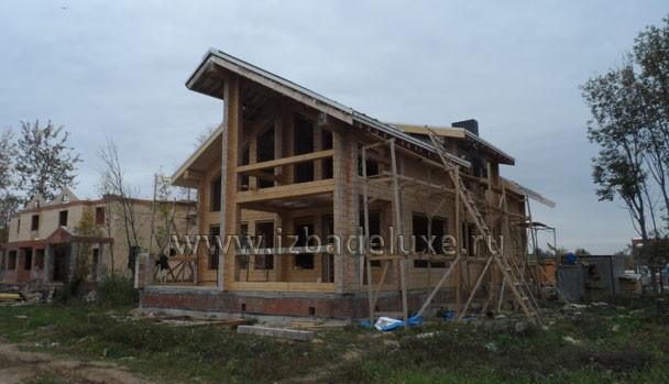 Уже дом похож на проект архитектора.