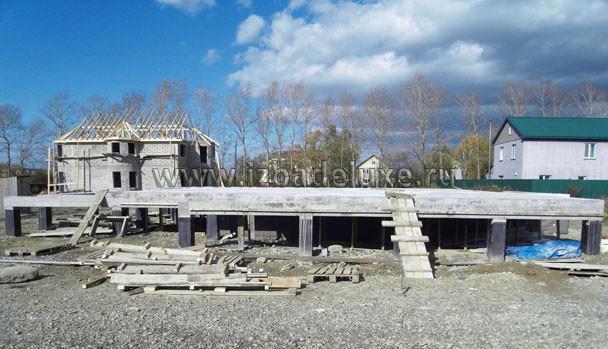 Фундамент Заказчик делал силами местных специалистов.