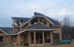 На этой фотографии дом уже похож на проект архитектора.