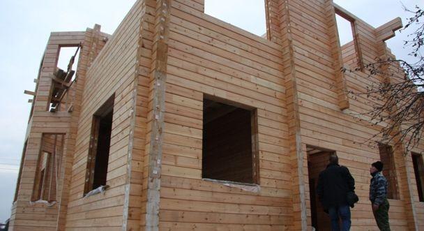Дом из клееного бруса – монтаж внутри здания.