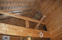 Эх, какой будет балкончик. Пока установлены только несущие клееные балки. А потом будет ковка...