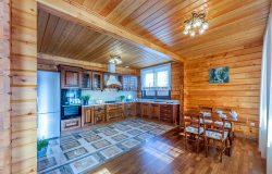 Дом из комбинированного бруса - кедр/сосна.