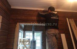 Монтаж потолочного плинтуса, окрашенного по RAL