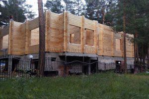 В Кабардино-Балкарской Республике идет сборка дома из клееного бруса