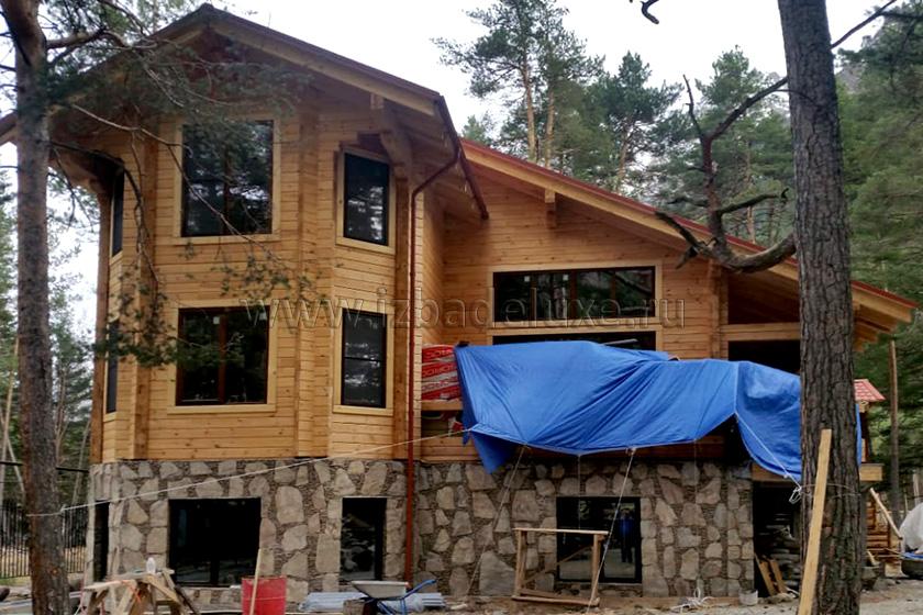 Строительство дома из клееного бруса по проекту «Эльбрус»