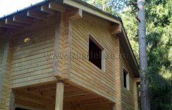 Установлена окосячка проемов для замера и последующего монтажа деревянных оконных блоков.