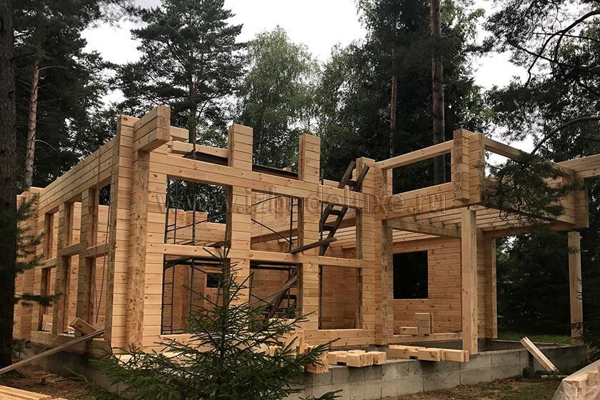 Строительство дома из клееного бруса «Зимняя сказка-16».