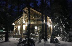 Освещение всегда делает дом сказочным :)