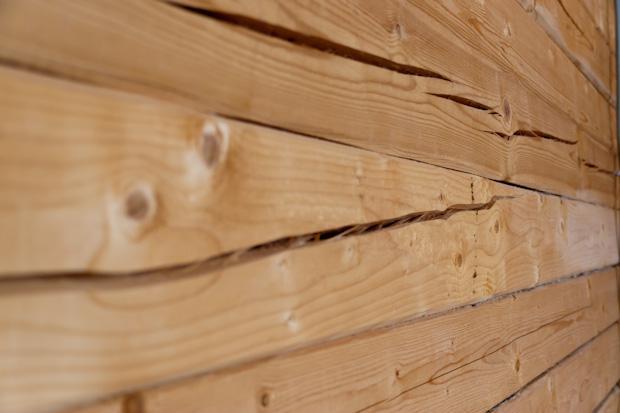 Брус или бревно: что лучше для строительства деревянного дома