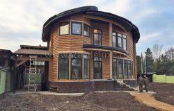 Очень много индивидуальных узлов разработаны для этого дома нашими конструкторами.