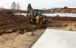 Земляные работы выполняются механизированным и ручным способом.