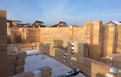 На объекте работают 6 плотников-сборщиков.