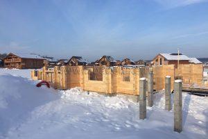 Внешние и внутренние стены дома выполнены из комбинированного клееного бруса кедр/ сосна