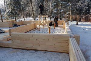 сборка домокомплекта. Объем КДК (клееных деревянных конструкций) дома – 106 м3.