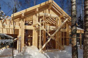 Объем КДК (клееных деревянных конструкций) дома и гаража – 126 м3.